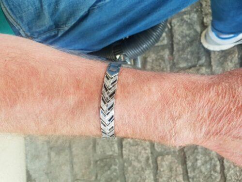 Swordsman - Titanium Steel Arthritis Magnetic Therapeutic Bracelets photo review