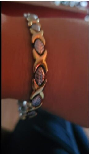 Women Gold/Silver Titanium Steel Magnetic Therapy Bracelets photo review